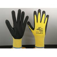 China HPPE Knitted Industrial Safety Gloves 13 Gauge With Thumb Tiger Reinforcement on sale