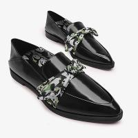 China 2018 Fall season new style ladies black shoes Women Leather Shoes with Printed Ribbons casual low heel shoes on sale
