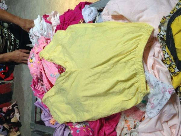 Quality buying children clothes  stocklots for sale