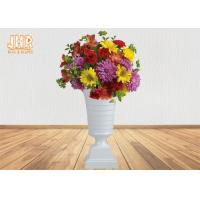China Modern Trumpet Polyresin Wedding Centerpiece Table Vase Glossy White 82CM Height wholesale