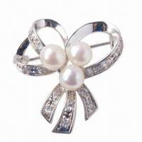 China Pearl Brooch Made of 925 Sterling Silver Alloy, Fashionable wholesale