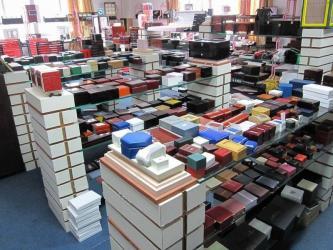 Guangzhou  Baiyun Area Zhen Jing Yi Gift-Box Manufacturer