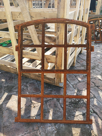 Quality Classical Cast Iron Windows Small Opening Light , Vertical Or Horizontal for sale