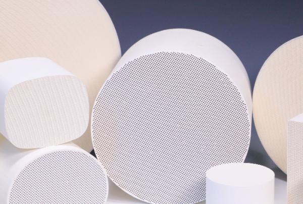 Quality Cordierite Cellular Ceramic Substrates Round For Catalytic Converters for sale