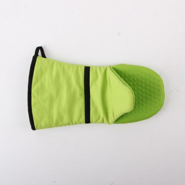 Quality Cooking Heatproof Green 14 x 33 cm silicone oven mitts / Glove AZO Free for sale