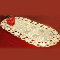 China Vinyl Lace Design Kitchen Table Placemats in Oval, Comes inGold wholesale