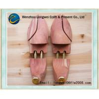 China Wooden Aromatic Cedar Shoe Stretchers Spring-Loaded for Women wholesale