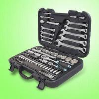 China 82-Piece 1/4-Inch + 1/2-Inch Drive Socket Wrench Set wholesale