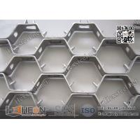 China AISI310S 20mm Depth Hexmetal refractory lining | 2.0mm Thickness | 36 X 12 on sale