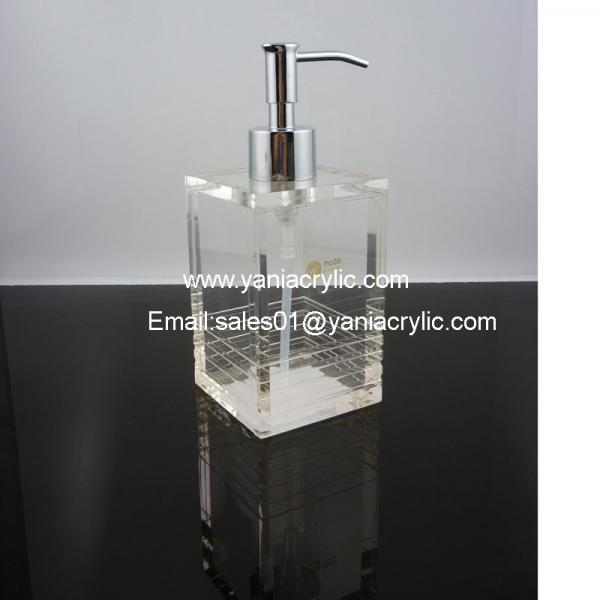 Clear glass bottles lotion pump images for Clear glass bathroom accessories