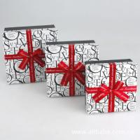 China Paper Gift Box, Cardboard Chocolate Packaging Boxes With Ribbon 5 * 5 * 3 Inch wholesale