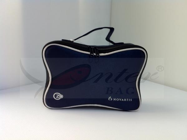 Quality Blue 420D Polyester Travel Cosmetic Bags Makeup Storage Bag With Handle for sale