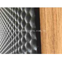 China Anti - fatigue Utility Mat with Insertion Stable Pebble Pattern , Hexagon Cow Horse Stall Rubber Matting on sale