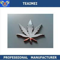 China Luxury Custom Car Emblems Auto 3D Maple Leave Badges Car Logo Body Promotion Sticker wholesale