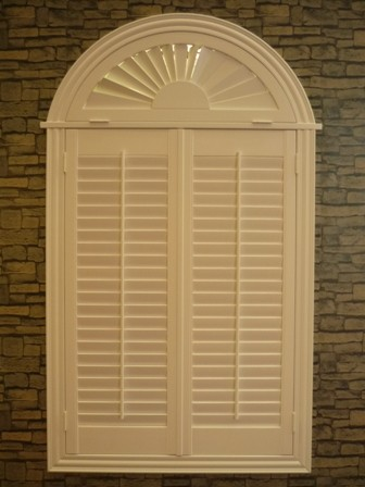 Quality indoor 100% basswood arch shutters for windows without control bar for sale