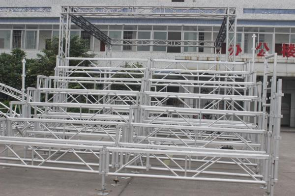 Quality Easy Assembled Silver Portable Indoor Bleachers Aluminium Retractable Gym Bleachers for sale