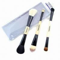 China Cosmetic Brush Set with Wooden Handle wholesale