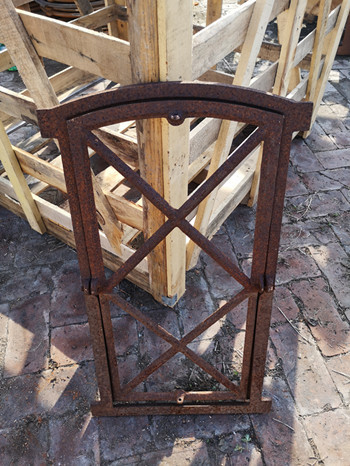 Quality Antique Reclaimed Metal Window Frames With Window Panel To Open H74.5xW43CM for sale