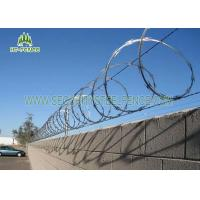 China Pre Galvanized Concertina Razor Wire φ 600mm For Site Security Fencing Top wholesale