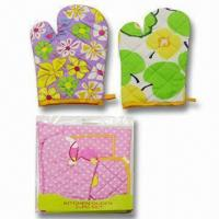 China Oven Gloves, Made of 100% Cotton, Various Designs are Available wholesale