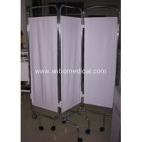 China hospital Bed screen on castors ,Hospital bed side three fold medical folding screen wholesale