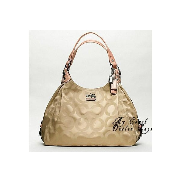 coach shoulder bags outlet  shoulder bag carefully
