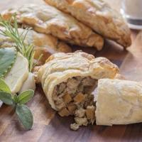 China Meat-Free Beef Style Pasties (360g) on sale