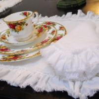 China Pure White Linen Table Napkins with Ruffled Border Anti-bacteria Colors Available NL-005 on sale
